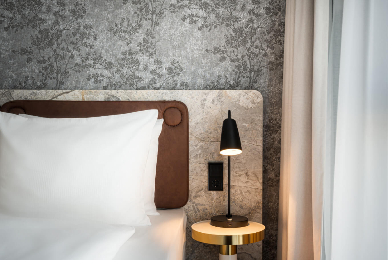 Book an overnight stay at Arthotel ANA Amber now!