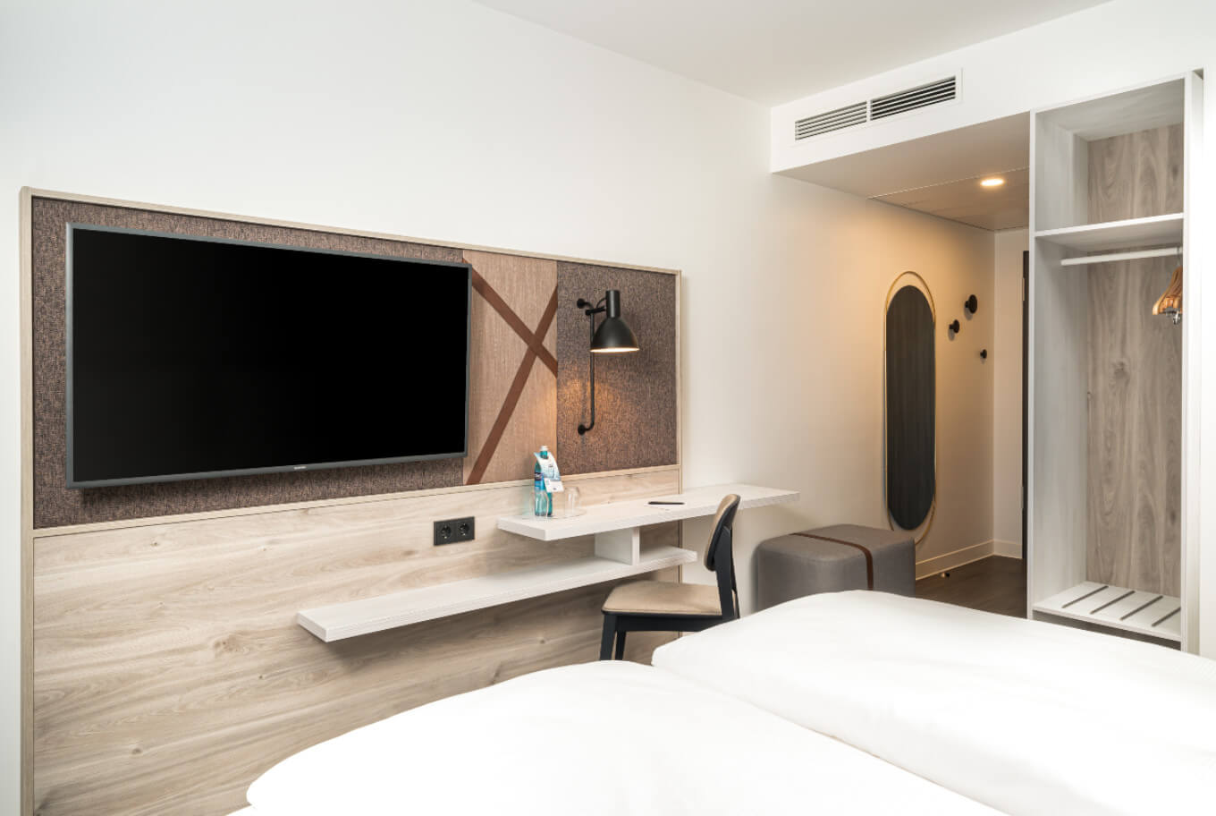 Double room overnight stay at Arthotel ANA Amber.