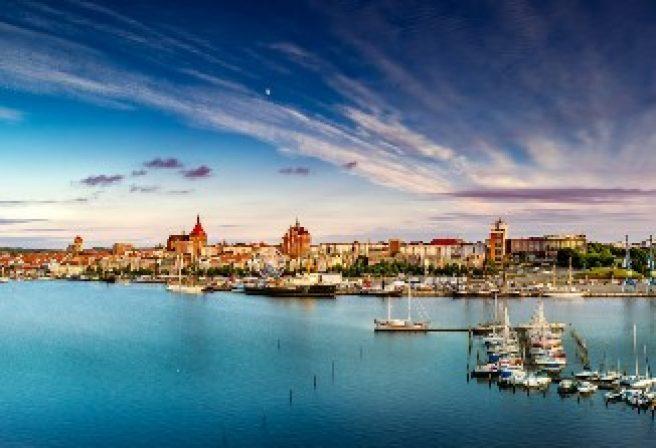Erkunden Sie das blaue Rostock und übernachten Sie in unserem Arthotel ANA Rostock.