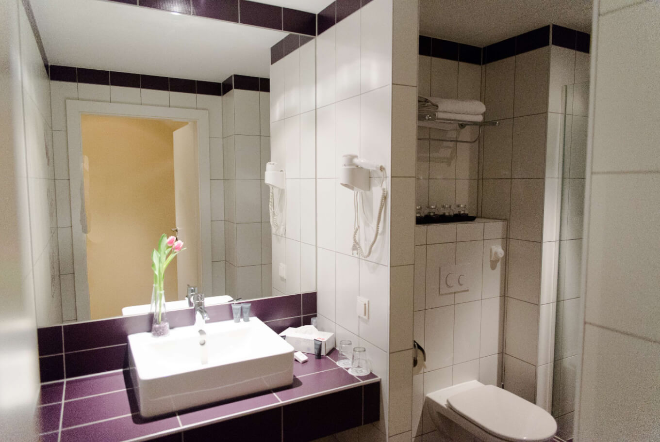 One of the bathrooms in our Boutique Hotel Wien.