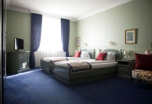 In our spacious suite you will feel at home. Perfect for an overnight stay in Vienna.