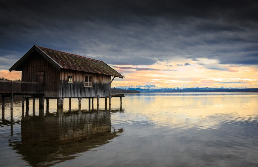 The Ammersee is located right next to the Arthotel ANA Goggl Hotel s in Landsberg am Lech.