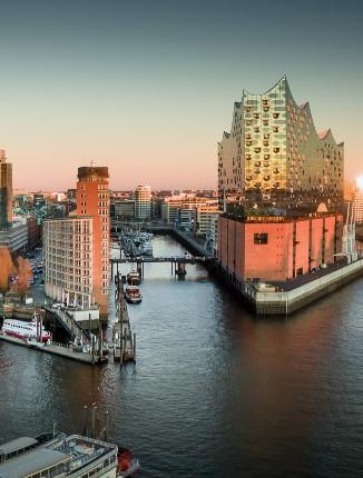 Hamburg betrachten und genießen.
