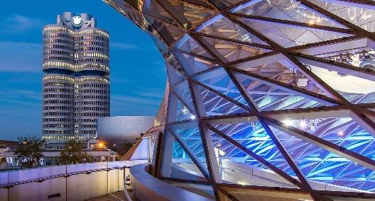 Die BMW Welt und das Museum sind in unmittelbarer Nähe gelegen