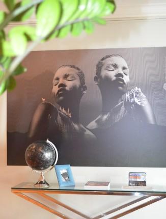 Das Bild an der Wand im ANA Living Munich.
