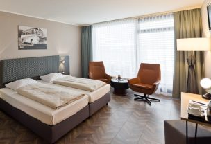 Stay in one of the spacious double rooms of our hotel in Stuttgart.