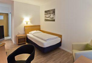 Besuchen Sie unser Arthotel ANA Neotel und schlafen Sie in einem von unseren Einzelzimmern.