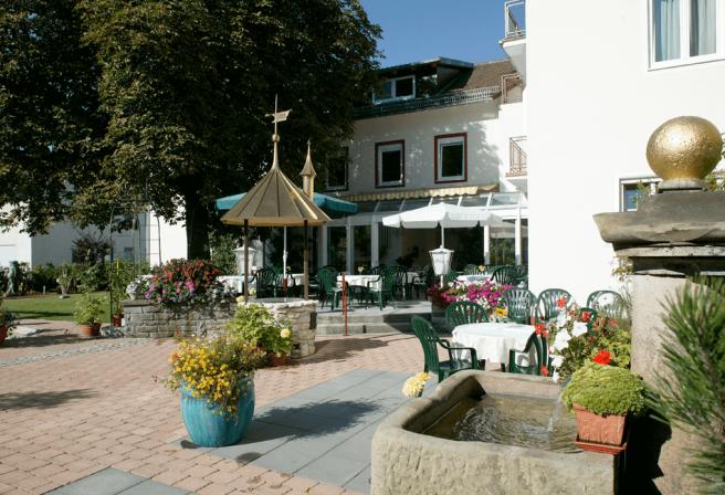 Hotelgarten im Arthotel ANA Panorama