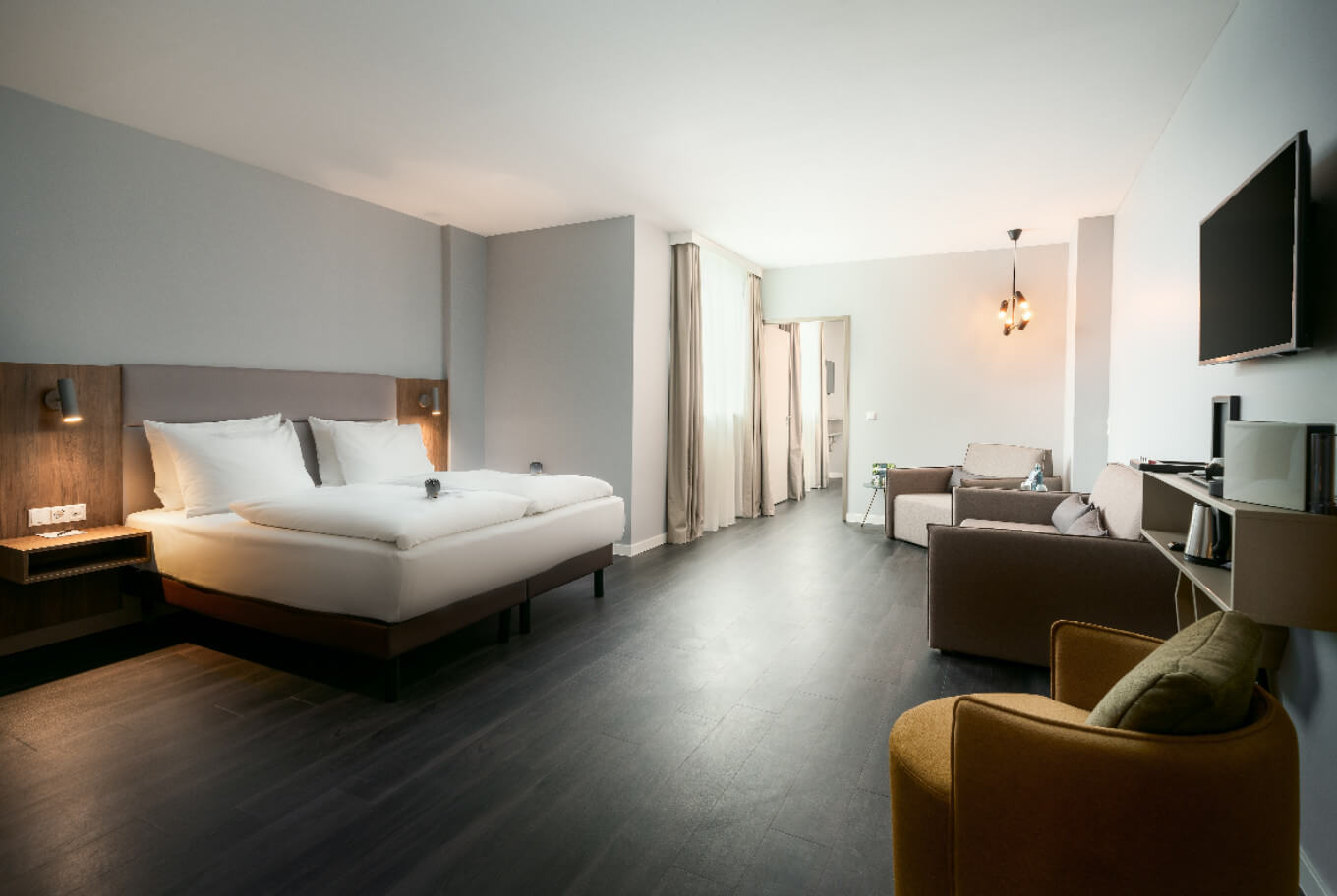 Spend the night in one of our suites at our hotel in Oberhausen.