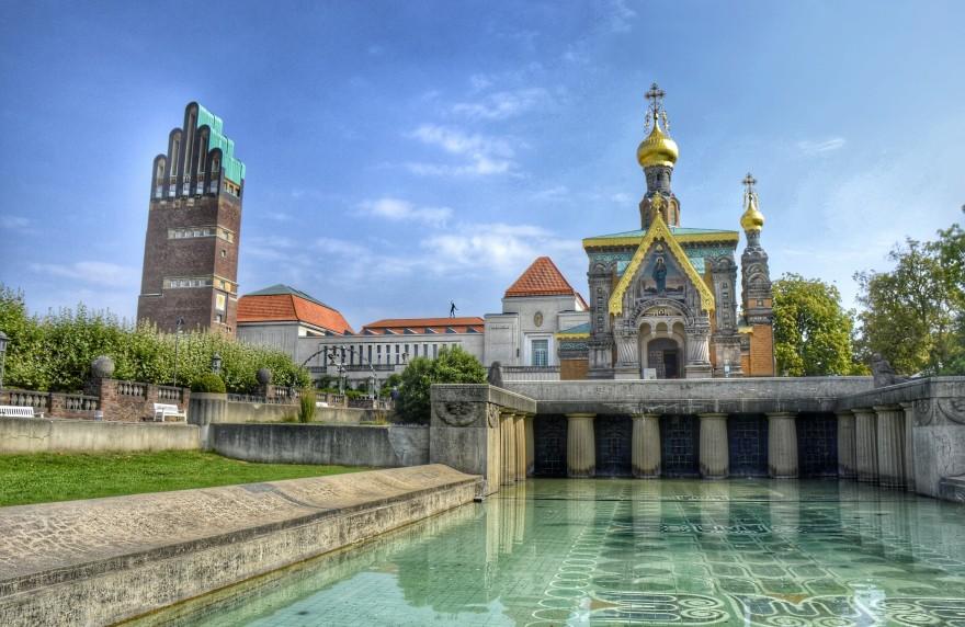 Der Hochzeitsturm liegt gleich in der Nähe von unserem Hotel Darmstadt am Bahnhof.